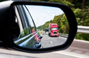 18-wheeler-in-side-mirror02WEB